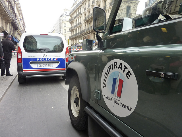 Plano Vigipirate em Paris - Autor: Petit_Louis - Flickr